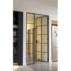 Kyvné dveře se skleněnou...