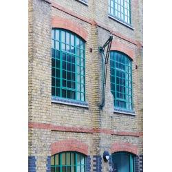 Ocelové tovární okno