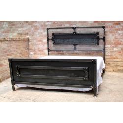 Industriální ocelová manželská postel
