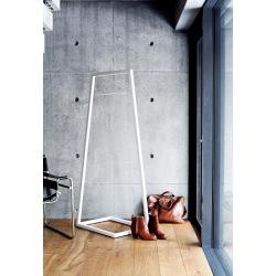 Designový stojan na šaty Obelit v170xš60xh45cm